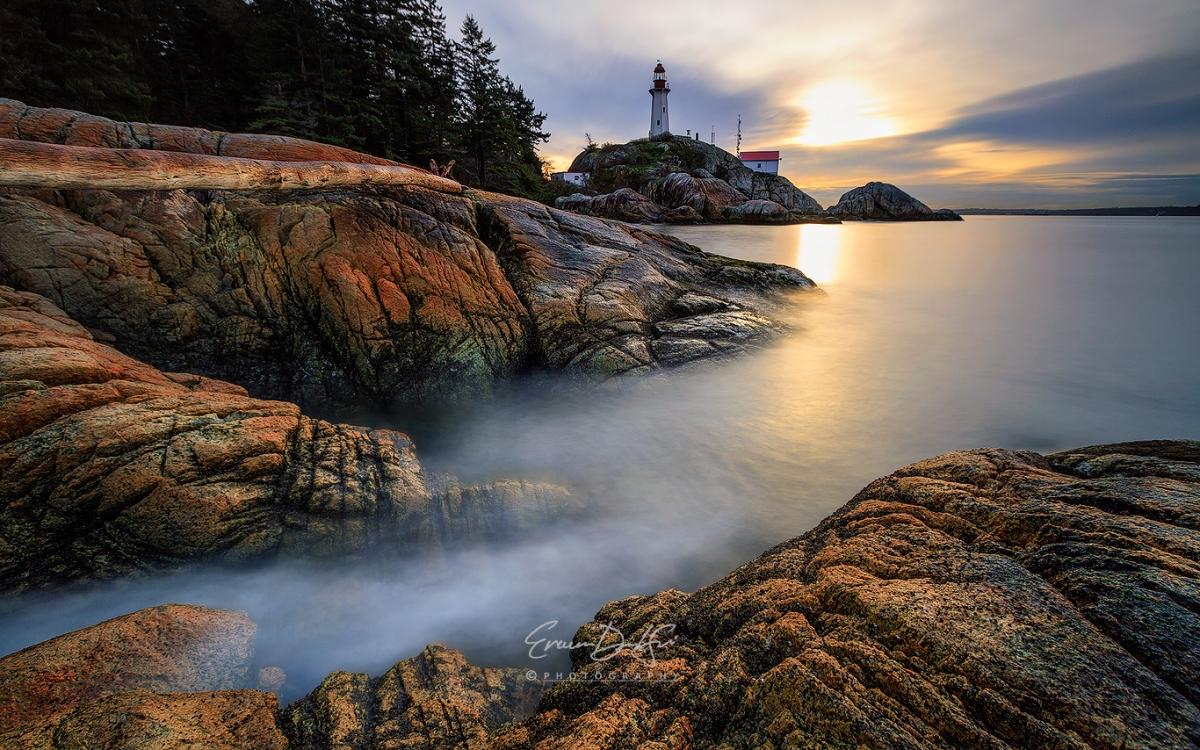 Lighthouse_reduced.jpg