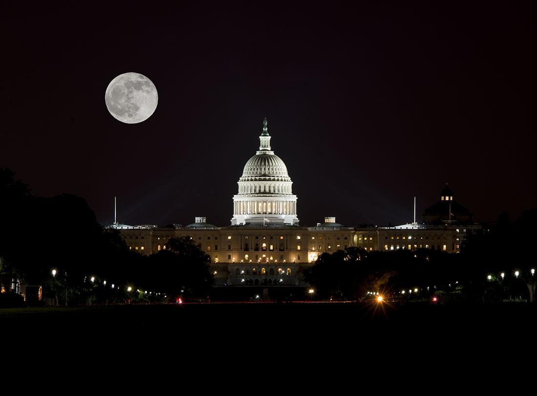 moon-over-the-capital.jpg
