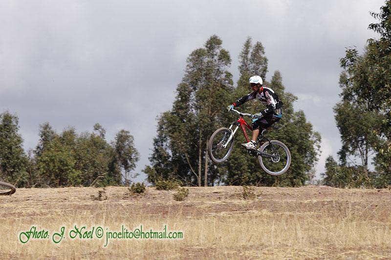 https://easy-exposure.com/wp-content/uploads/2012/08/9r1ce-bike-01.jpg