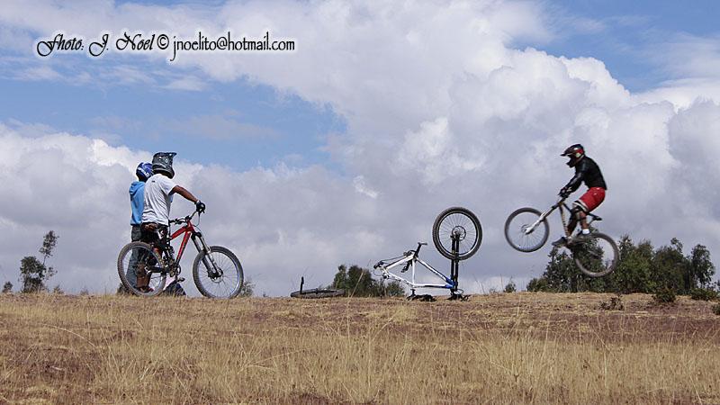 https://easy-exposure.com/wp-content/uploads/2012/08/hcyqp-bike-02.jpg