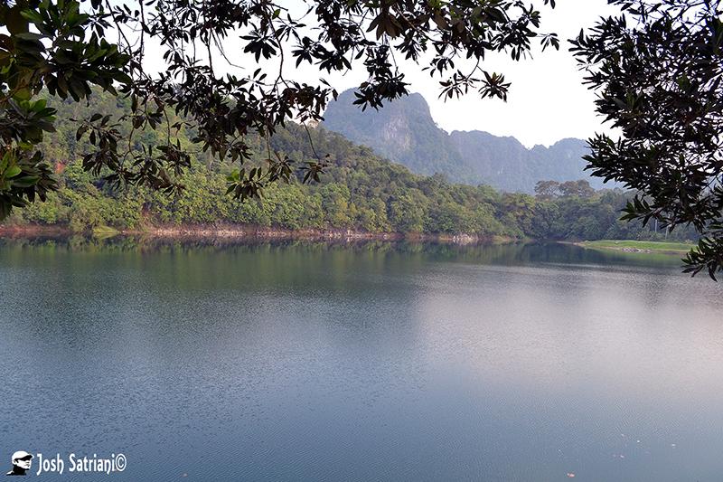 https://easy-exposure.com/wp-content/uploads/2012/08/ot42y-Blue-Lake_wm.jpg